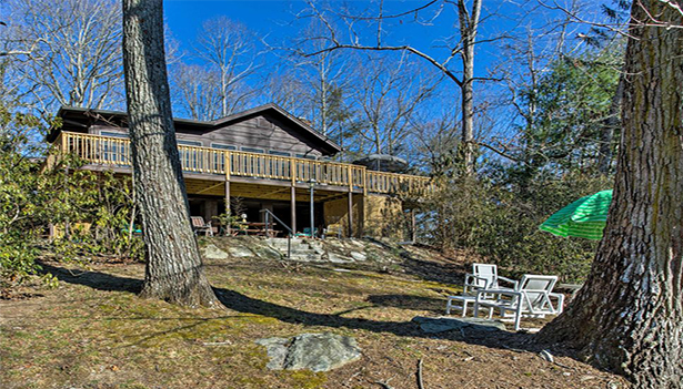260cfd8a95e Lodging | Visitors Information Center | Hendersonville, NC