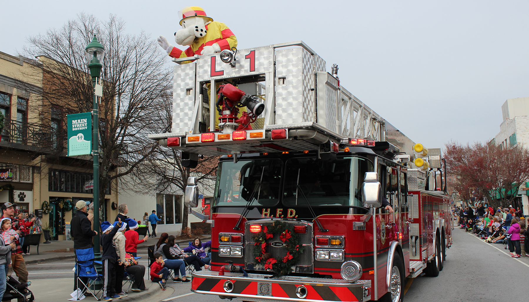 Henderson Nc Christmas Parade 2019 Christmas Parade | Visitors Information Center | Hendersonville, NC